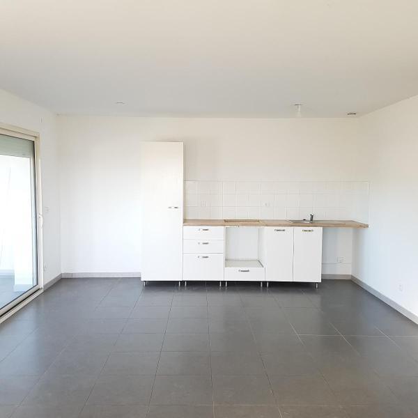 Location appartement Eguilles 1030€ CC - Photo 1