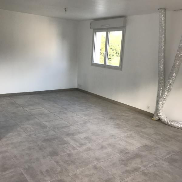 Location maison / villa Saint desir 1 080€ CC - Photo 8