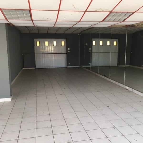 Vente local commercial Cholet 174 900€ - Photo 2