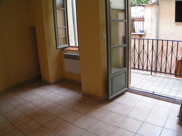Rental apartment Cremieu 550€ CC - Picture 4
