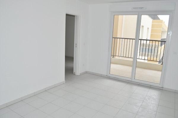 Rental apartment Marseille 10ème 655€ CC - Picture 2