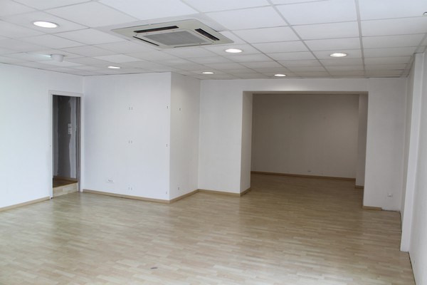 Rental empty room/storage Ancenis 655€ CC - Picture 2
