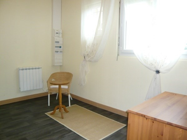 Location appartement Morestel 395€ CC - Photo 4