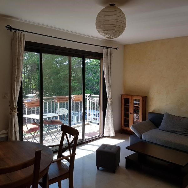 Location appartement Aix en provence 810€ CC - Photo 2