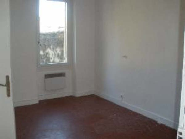Rental apartment St chamas 521€ CC - Picture 3
