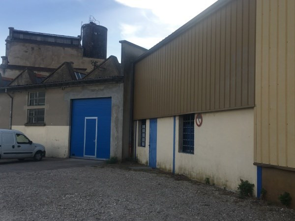 Location local commercial Hieres sur amby 1328€ CC - Photo 3