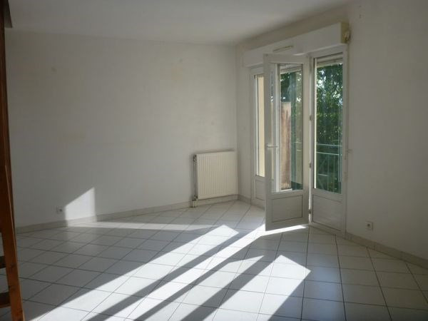 Rental apartment Cerny 890€ CC - Picture 2