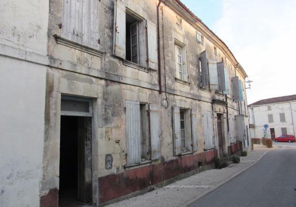 Sale house / villa Tonnay-boutonne 42975€ - Picture 1