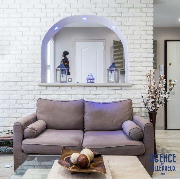 Sale apartment Les clayes sous bois 249000€ - Picture 2