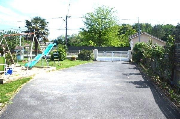 Sale house / villa St seurin sur l isle 178900€ - Picture 8