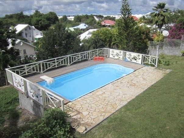 Sale house / villa Ste anne 388500€ - Picture 1