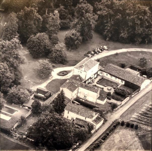 Deluxe sale house / villa Cherves richemont 780000€ - Picture 1