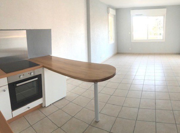 Rental apartment Reignier 862€ CC - Picture 2