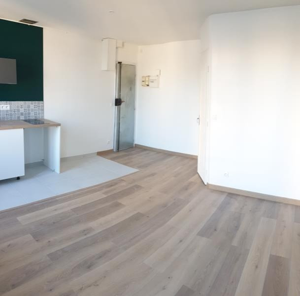 Sale apartment Paris 18ème 290000€ - Picture 4