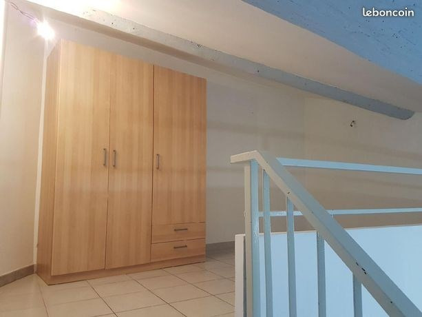 Location appartement Saint gilles 410€ CC - Photo 2