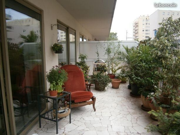 Sale apartment Toulon 267 000€ - Picture 1