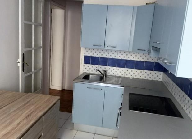 Location appartement Paris 17ème 1 900€ CC - Photo 4