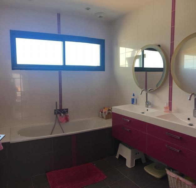 Deluxe sale house / villa Charbonnieres les bains 935000€ - Picture 4