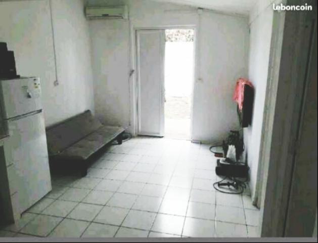 Rental apartment St pierre 690€ CC - Picture 2