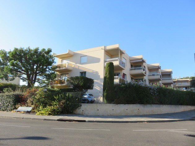 Vacation rental apartment Bandol 590€ - Picture 2