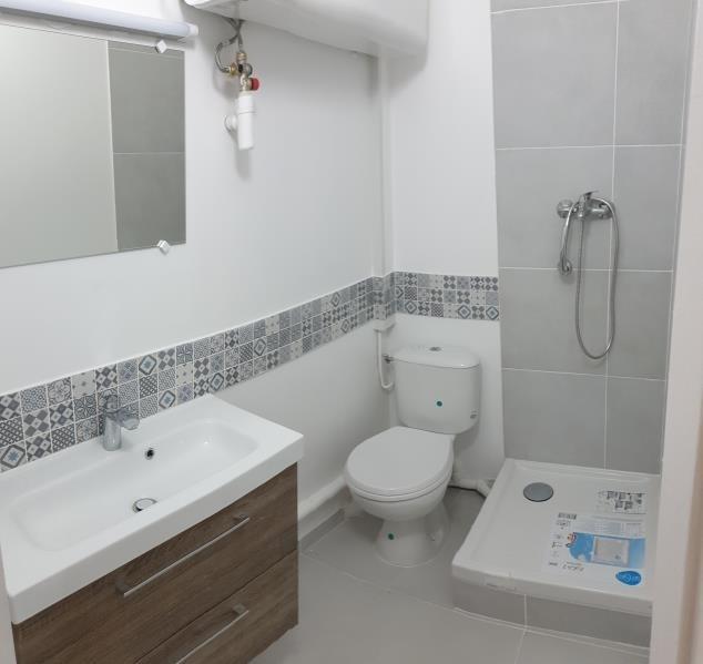 Sale apartment Paris 18ème 290000€ - Picture 3