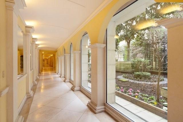 Location appartement Paris 6ème 3800€ CC - Photo 9