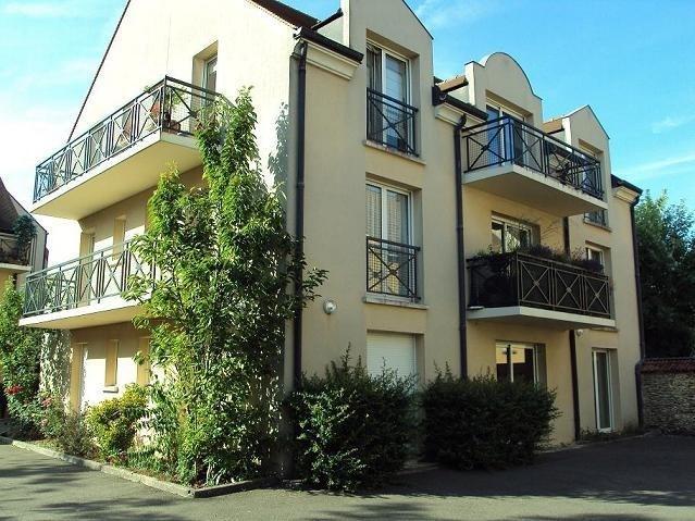 Location appartement Le perray en yvelines 690€ CC - Photo 1