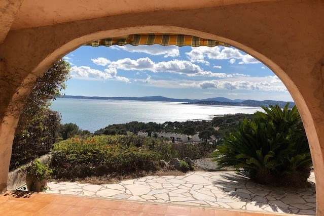 Vacation rental house / villa Les issambres 1125€ - Picture 2