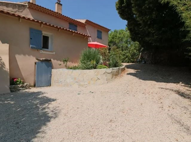 Vente maison / villa Evenos 450 000€ - Photo 1