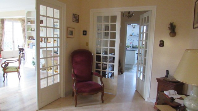 Sale house / villa Saint-jean-d'angély 284850€ - Picture 3
