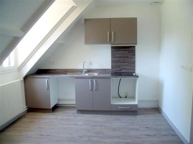 Rental apartment Bois le roi 1080€ CC - Picture 2