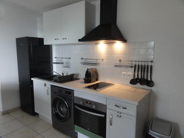 Location appartement La possession 720€ CC - Photo 3