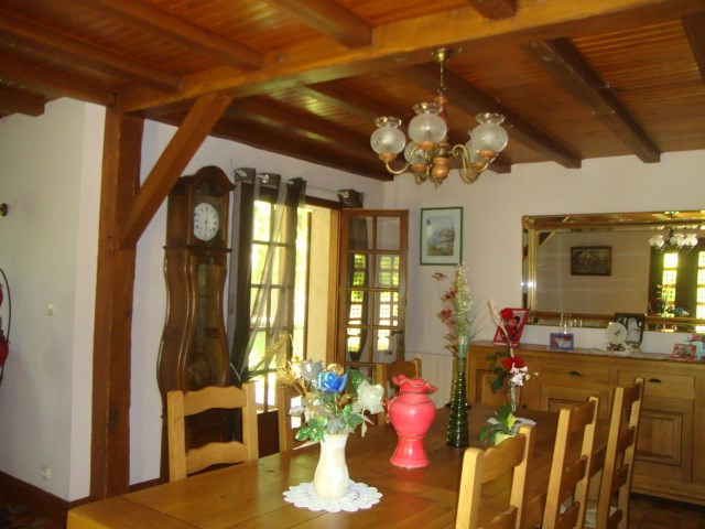 Sale house / villa Loulay 259 700€ - Picture 6