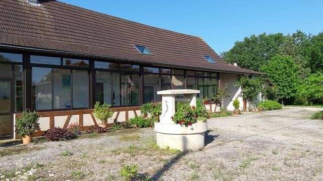 Sale house / villa Branges 269000€ - Picture 1