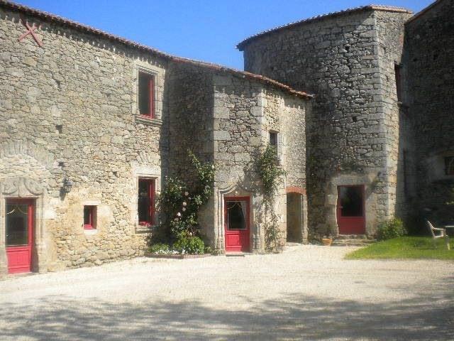 Sale house / villa Les herbiers 470250€ - Picture 1