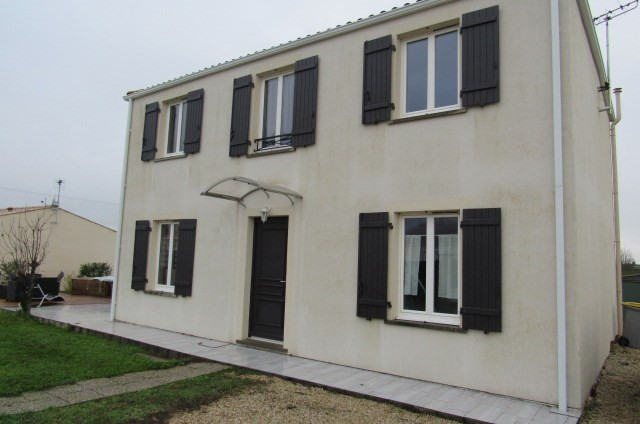 Vente maison / villa Bords 190 800€ - Photo 1