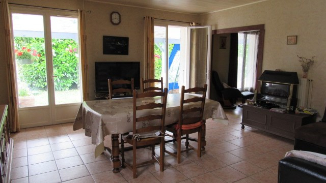 Vente maison / villa Loulay 167 480€ - Photo 4