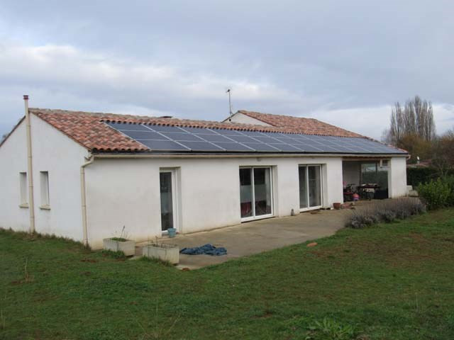 Vente maison / villa Saint-savinien 212 000€ - Photo 1