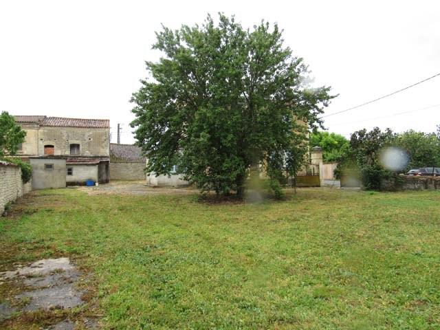 Sale house / villa St séverin sur boutonne 75000€ - Picture 3