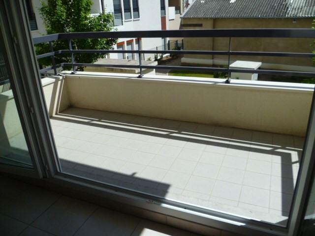 Location appartement Lyon 3ème 894€ CC - Photo 2