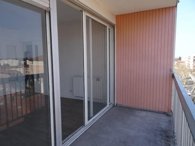 Location appartement Villefranche sur saone 611,42€ CC - Photo 9