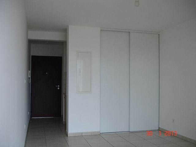 Location appartement Ste clotilde 380€ CC - Photo 2