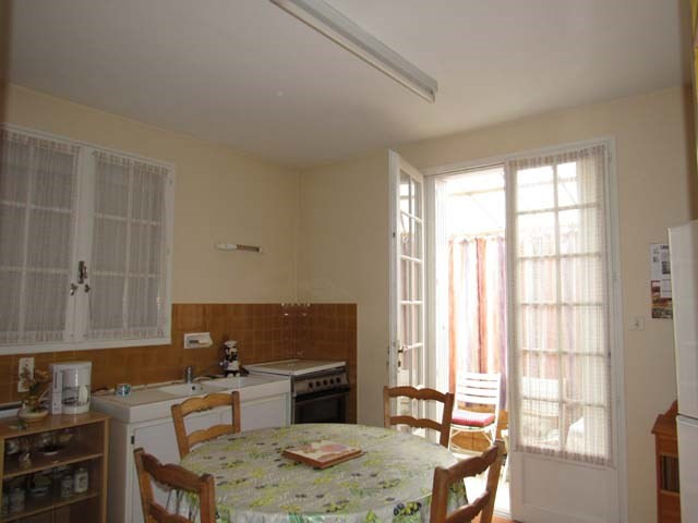 Sale house / villa Saint-jean-d'angély 127 500€ - Picture 4