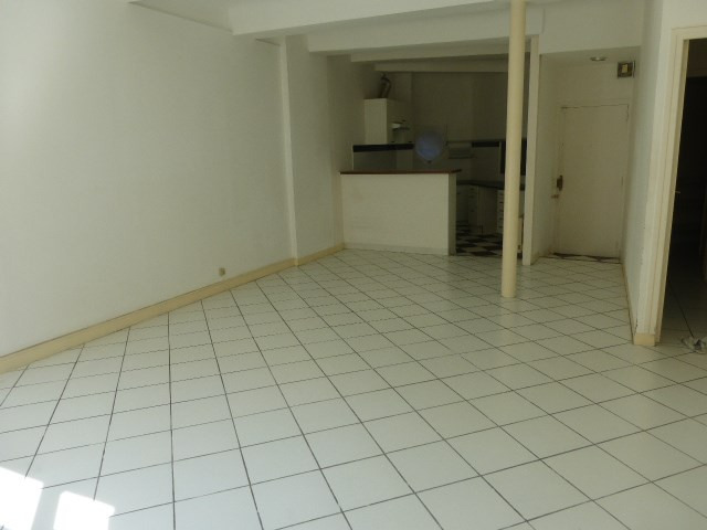 Rental apartment Aix en provence 750€ CC - Picture 2