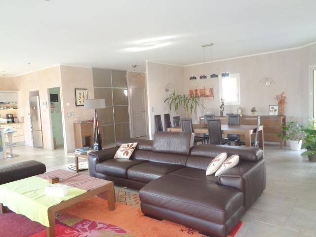 Sale house / villa Saint andre de cubzac 430000€ - Picture 2