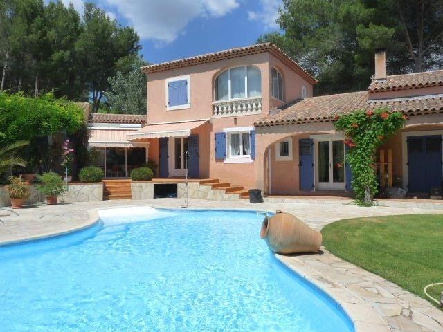 Deluxe sale house / villa Ventabren 696000€ - Picture 1