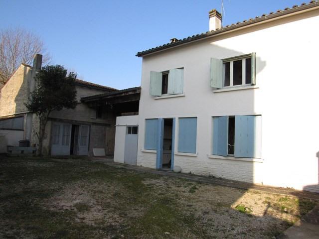 Sale house / villa Aulnay 83400€ - Picture 1