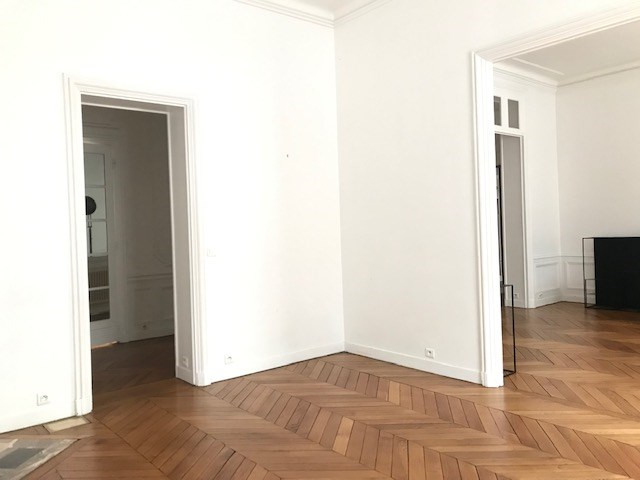 Location appartement Paris 8ème 3000€ CC - Photo 4