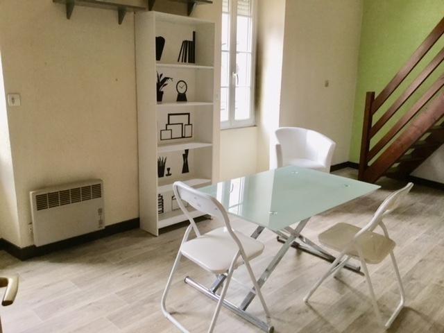 Location appartement Vannes 365€ CC - Photo 1