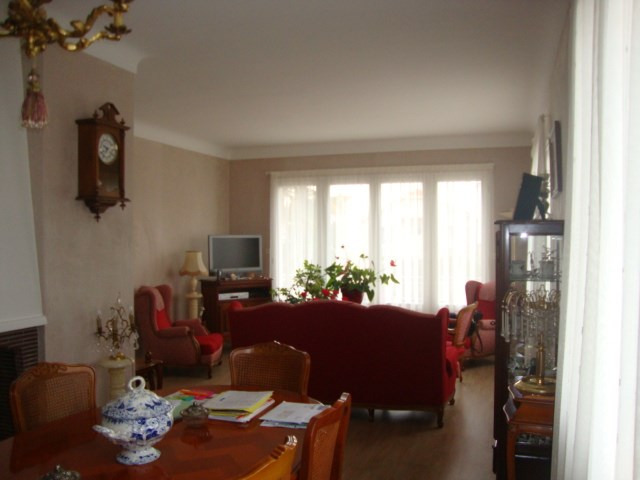 Sale house / villa Saint-jean-d'angély 274 300€ - Picture 5